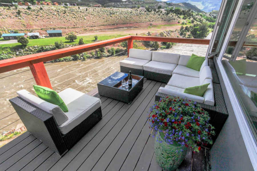 30 foot deck overlooking Yellowstone River